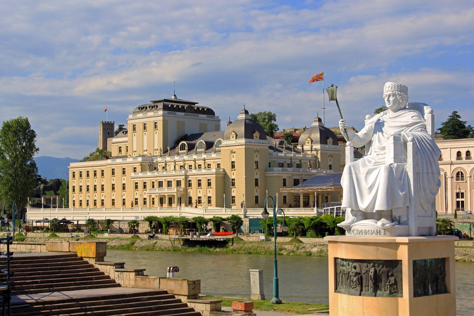 macedonia statues
