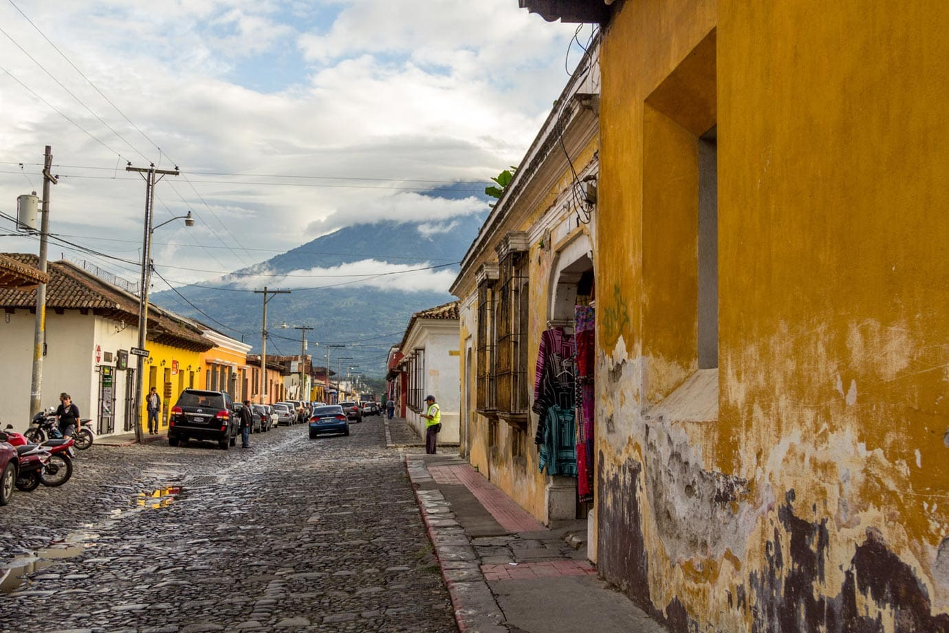 With narrow cobble-stoned streets and brightly coloured buildings, there's no denying the beauty of Antigua