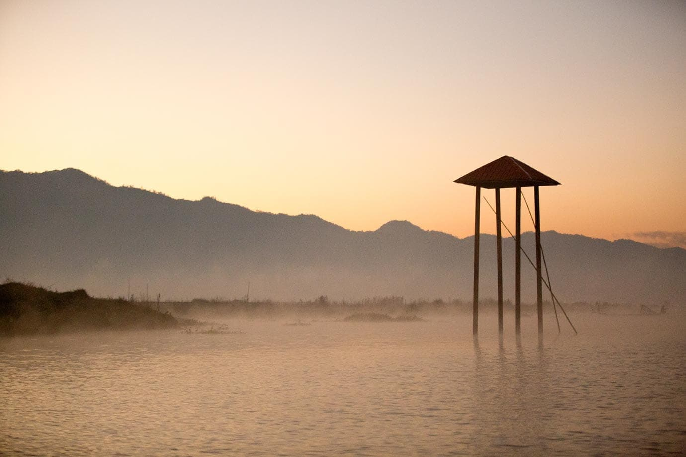 sunrise inle lake