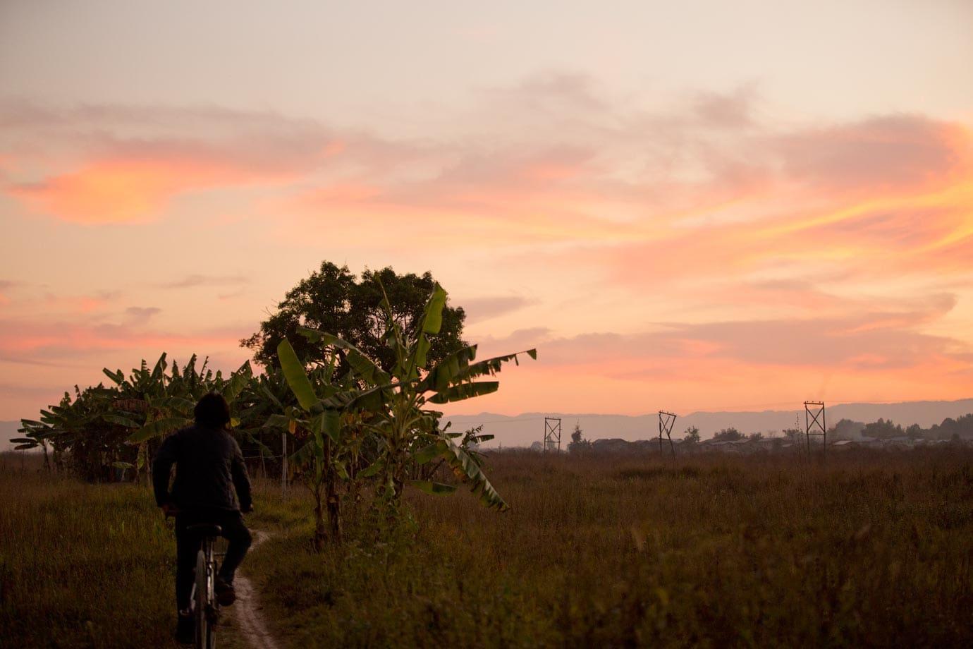 sunset.inle