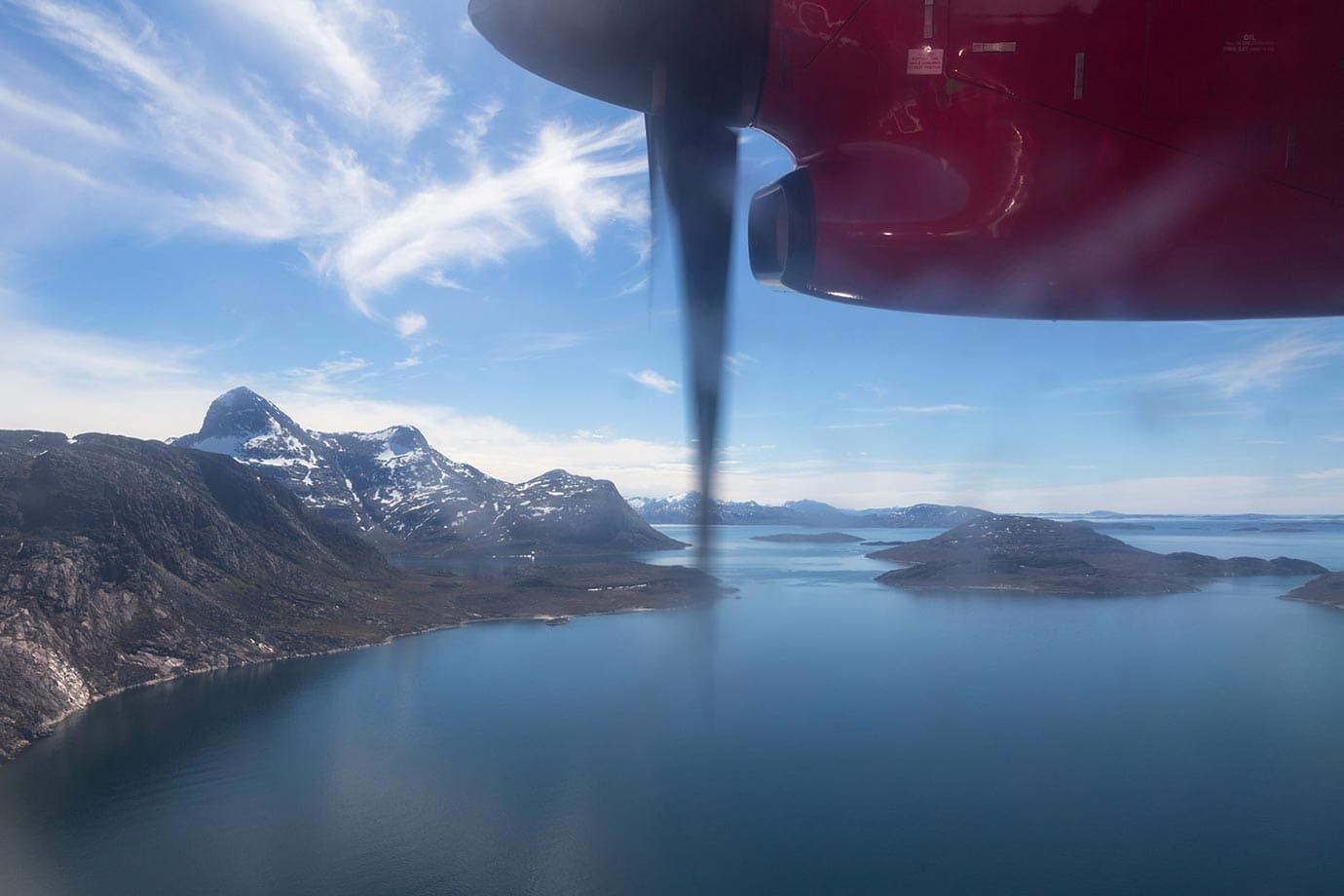 Flying into Nuuk