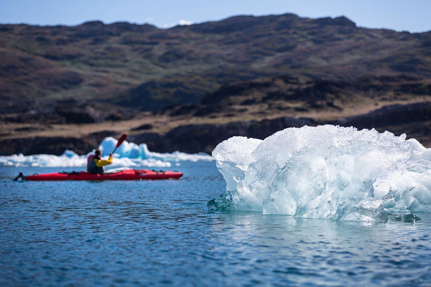 Kayaking in Nunataaq