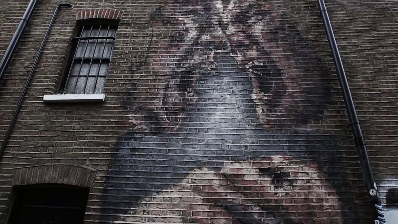 inner conflict street art camden alaiz