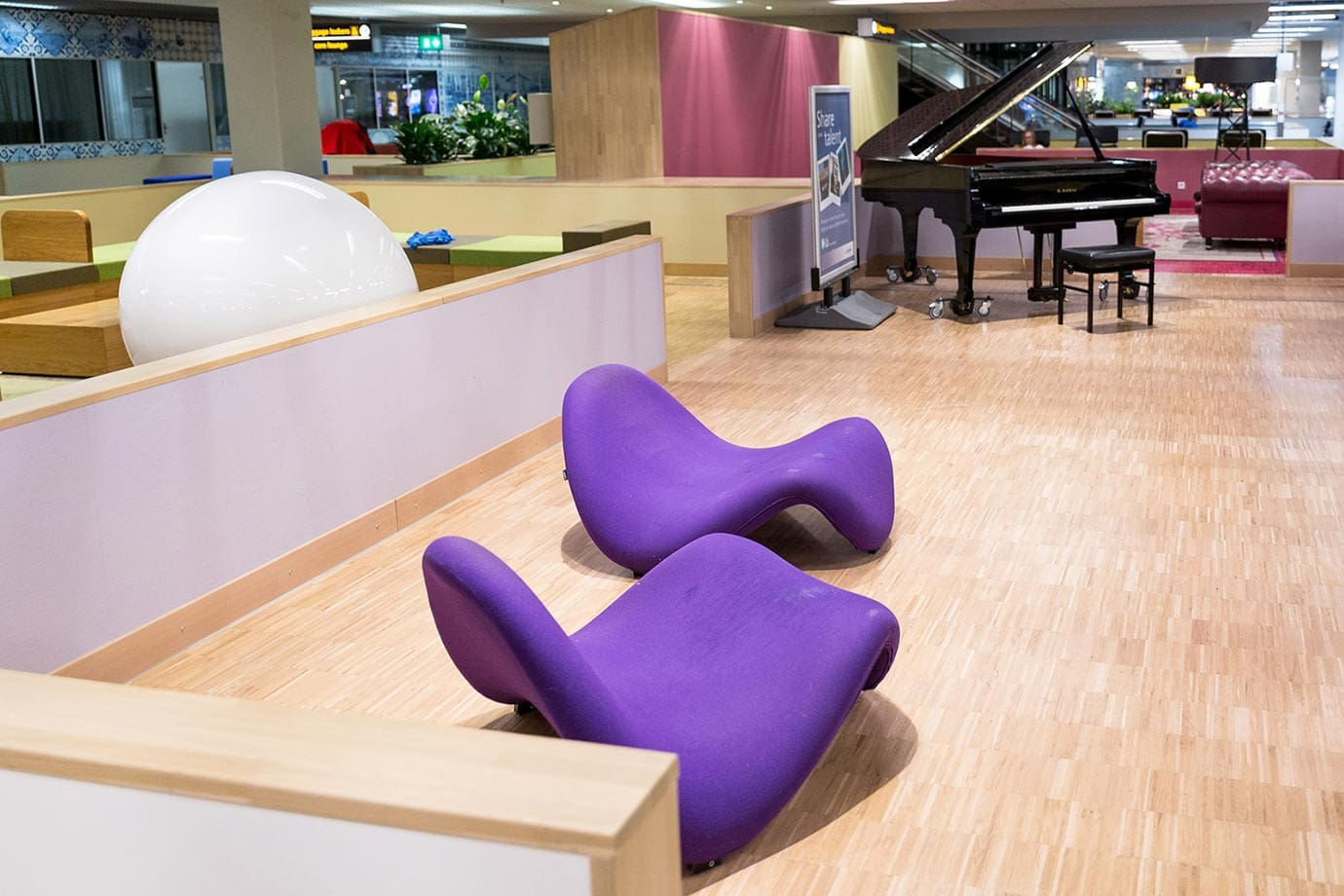 Piano at Schiphol Airport