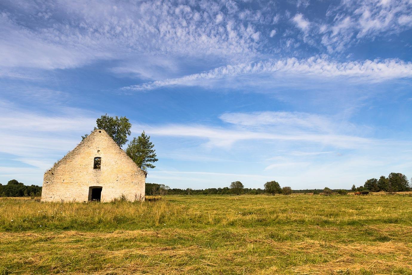 Abandoned farm house in Estonia