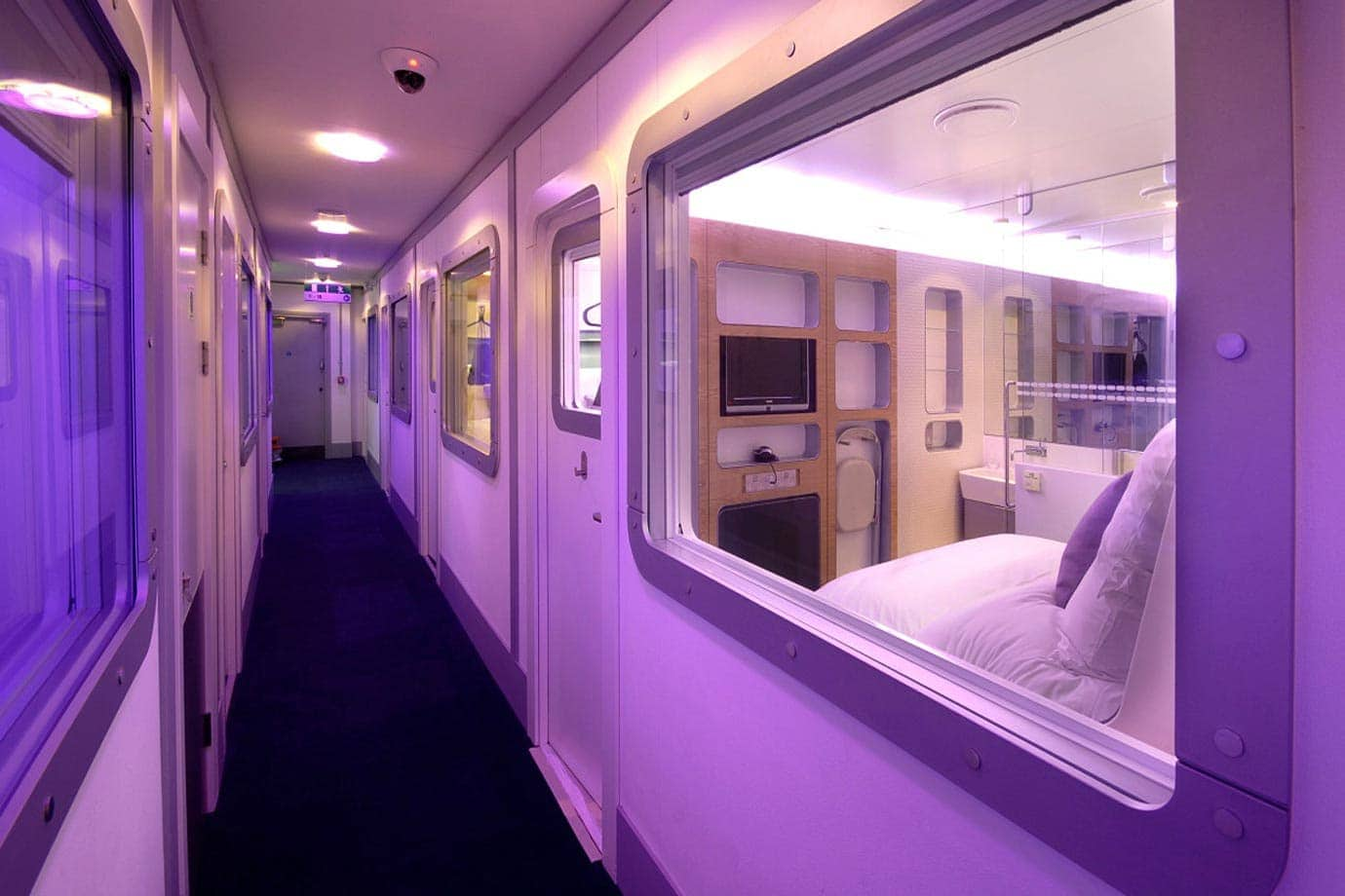 yotel gatwick premium cabin