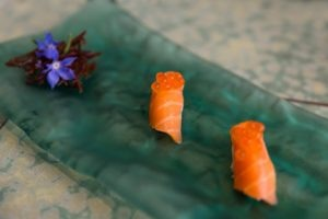 Cauliflower and salmon sushi with cod roe