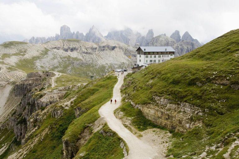 hiking hotels