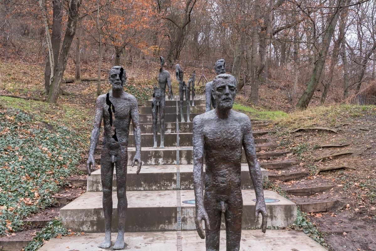 memorial of the victims of communism prague