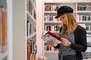 reading in stuttgart library