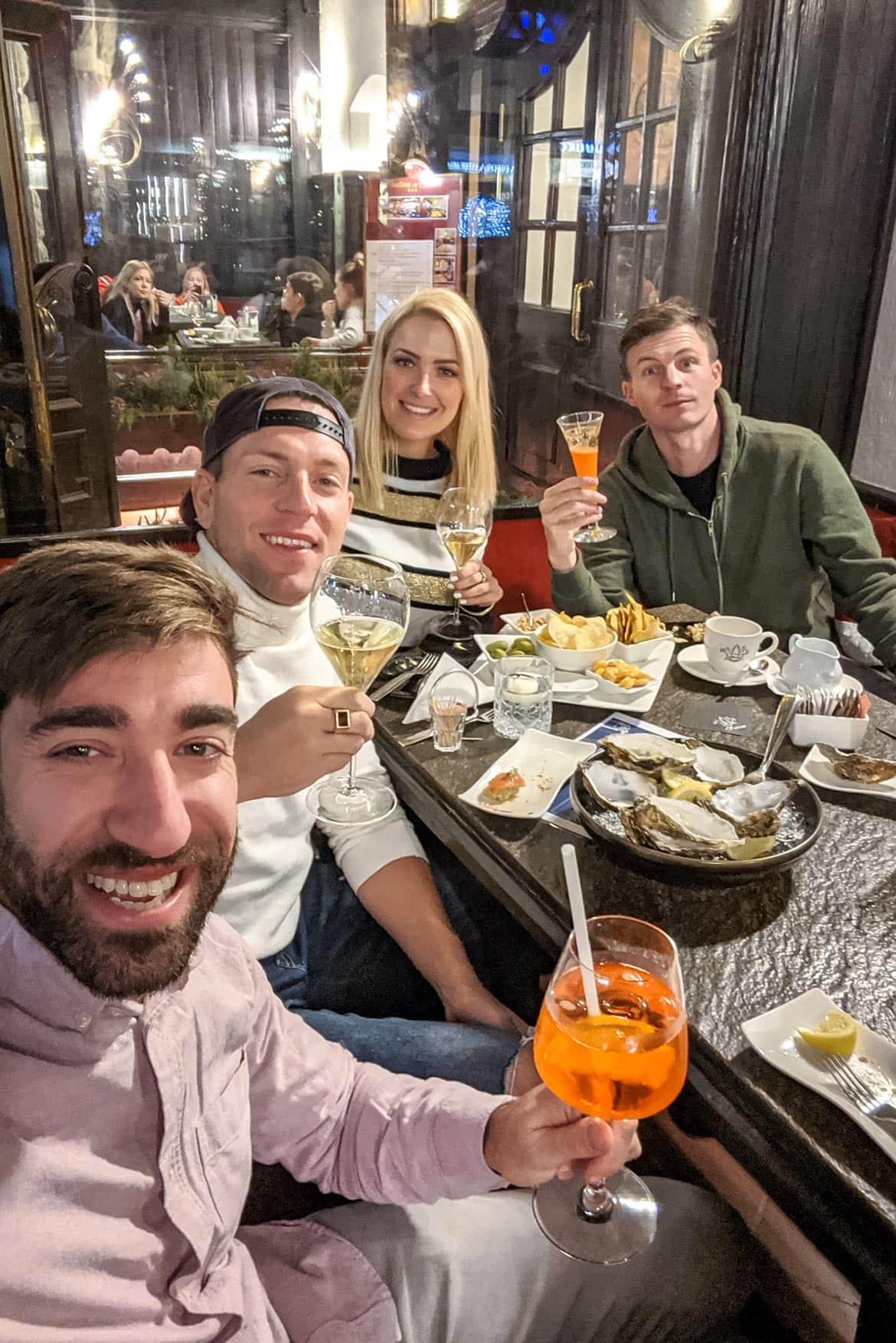 apres ski in bar suisee