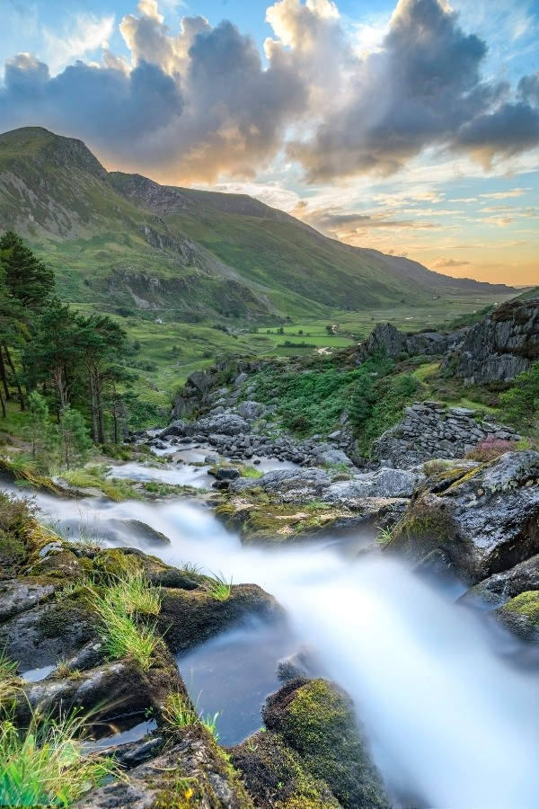 hiking in wales