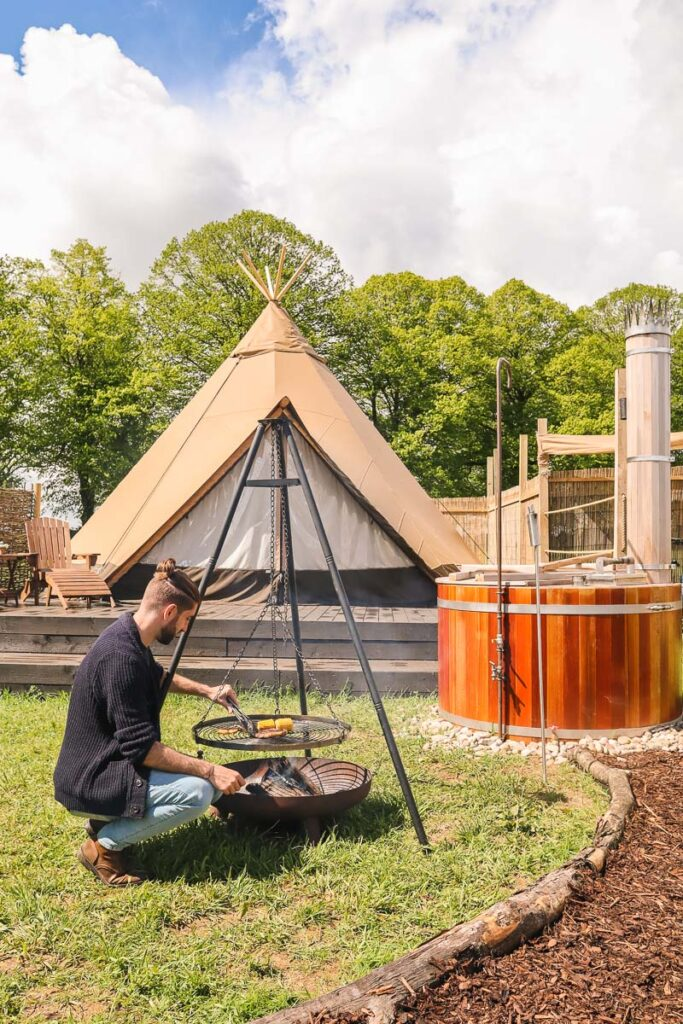 cotswolds glamping
