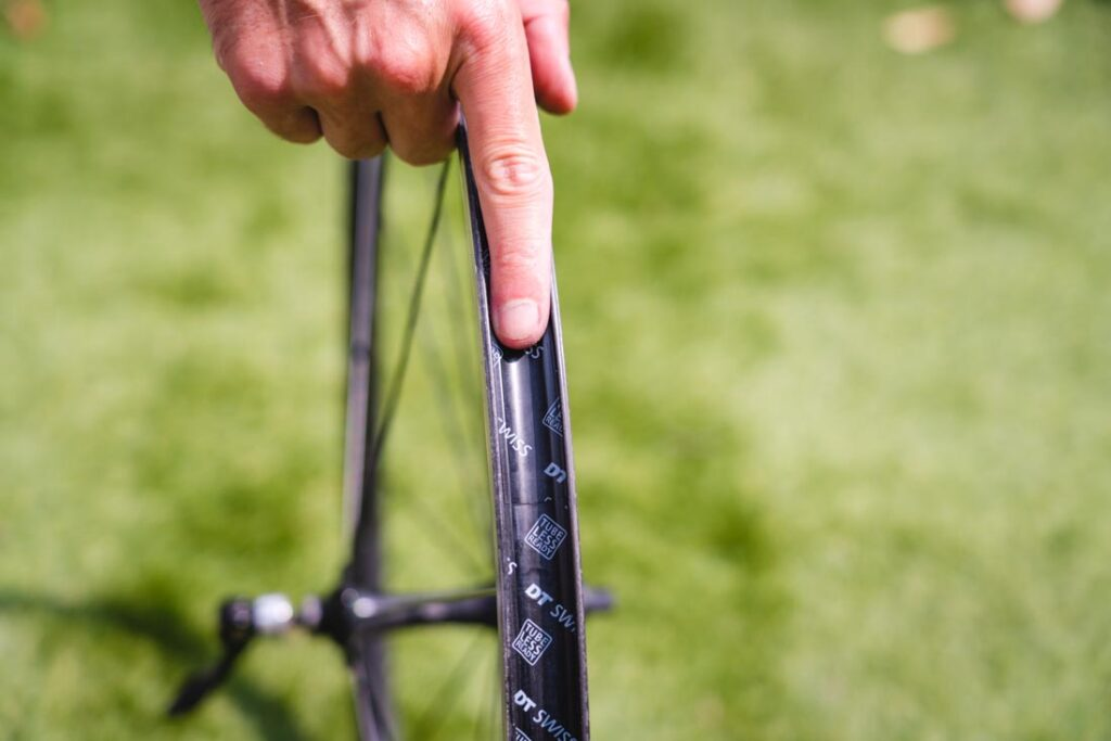 bike tyre removal